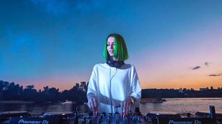 Miss Monique - Live  Weekend 2020 (Virtual Stage 4k) [Progressive House DJ Mix]