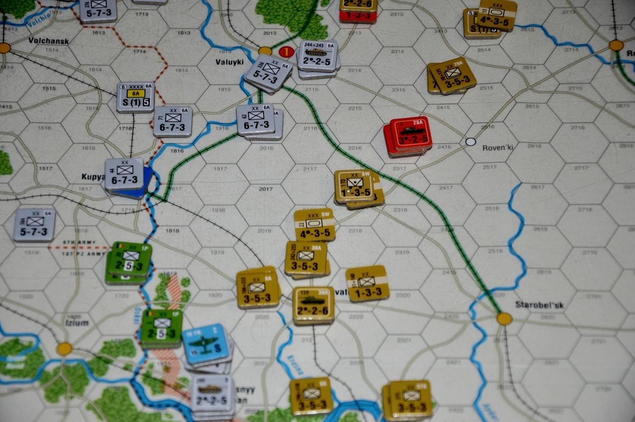 Чтобы избежать окружения, после пробития обороны в одном месте, требуется срочно отводить войска находящиеся рядом
