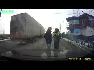 Задержания министра строительства Крыма на посту ДПС под Ростовом-на-Дону