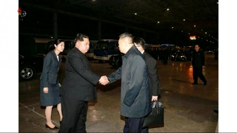 경애하는 최고령도자 김정은동지께서 우리 나라에서 사고를 당한 중국인사망자들의 시신과 부상자들을 후송하기 위한 전용렬차를 떠나보내시였다