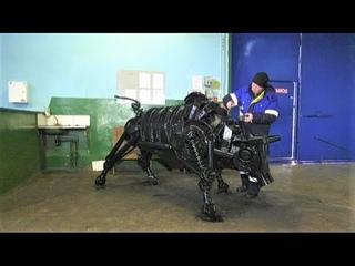 Слесарь из Лангепаса рассказал о своём произведении из автозапчастей - металлическом быке