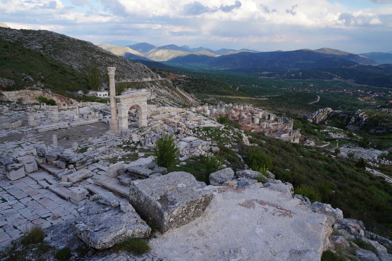 Древний город Сагалассос в горах близ Антальи