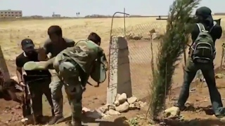 Syrian Rebels Provide Covering Fire For Surrendering Syrian Army Soldiers