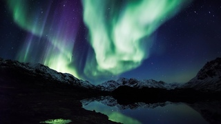 Aurora Borealis in 4K UHD: Northern Lights Relaxation Alaska Real-Time Video 2 HOURS
