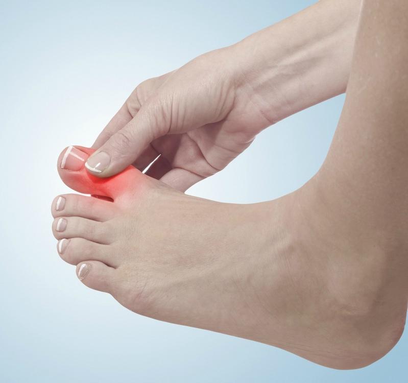 Каковы общие причины болей в суставе большого пальца?