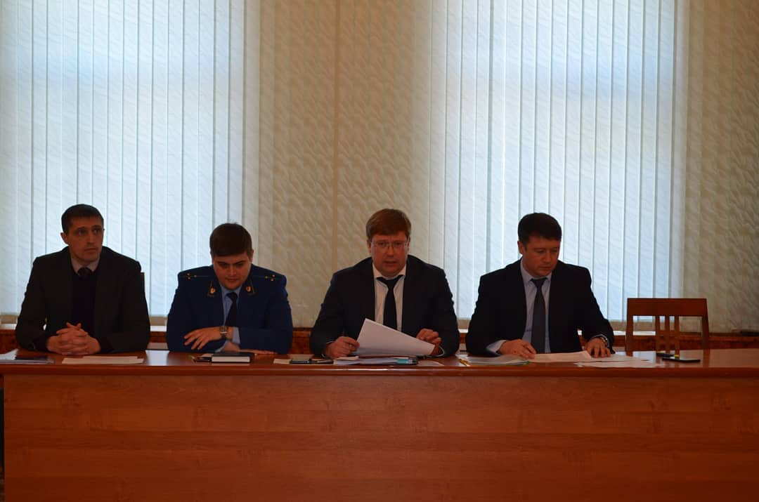 В администрации Петровского района прошло заседание рабочей группы по ситуации с коронавирусной инфекцией