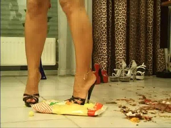 Crush fetish heels 170