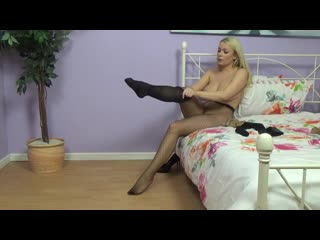 Penny Lee - Lots of Nylons