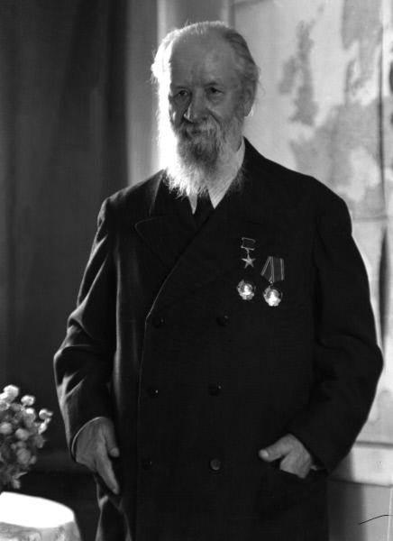 Алексей Николаевич Крылов – выдающийся российский и советский конструктор, начальник Морской академии в 1919–1920 годах.