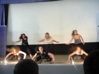 Их танец =)(они классные))классно получилось))молодцы девченки)))