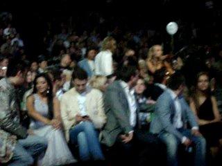 Премия МУЗ-ТВ 2010. Киркоров и Ани Лорак сидят в вип-зоне