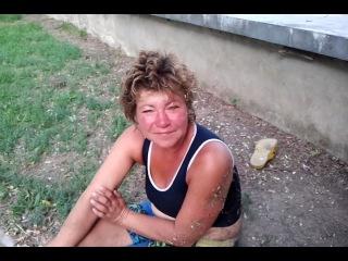 Бомжи словили проститутку — photo 9