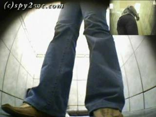 Spy2wc 13 - Скрытая камера в женском туалете