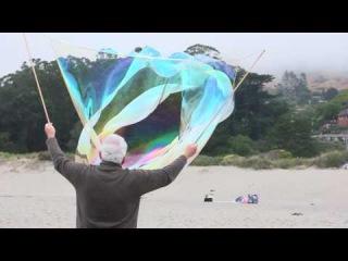 Giant Stinson Beach Bubbles in Slow-mo (Canon 550D)