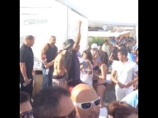 : Bieber at cabana pool bar