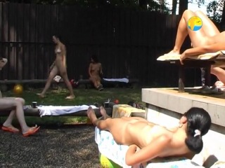 Naturist Freedom: Girlfriends together