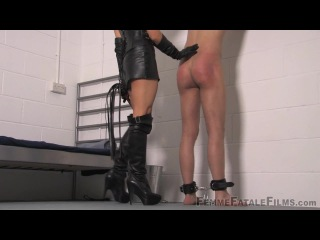 Mistress anna regent begging for it