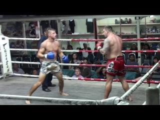 Ross (Tiger Muay Thai) vs Ryan (Celtic Muay Thai)  Suwit Stadium 20/5/16