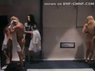 CMNF, WiP  приказали раздеться / принудительная нагота в женской тюрьме