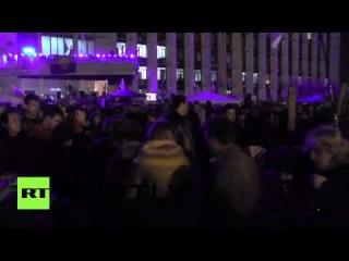 Сторонники независимости продолжают укрепление баррикад в Донецке