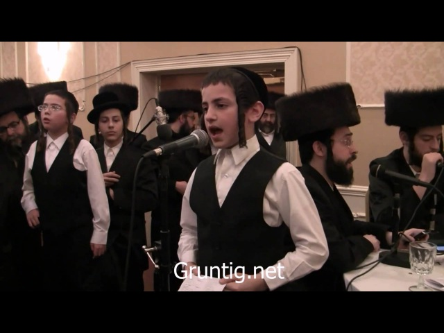 Child Soloist Sings A Sheinem Cholem Yiddish at Kupath Ezra Melave Malka