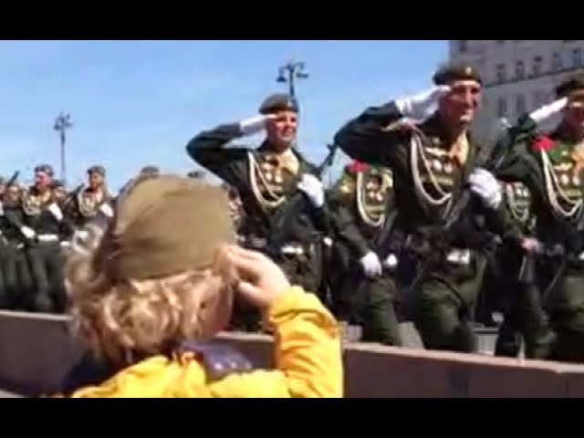 'Little General': Troops salute a kid in Moscow on V-Day
