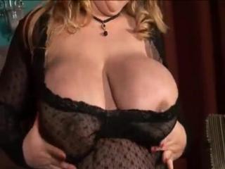 Brunett miss world enjoy sex for a cam XXX
