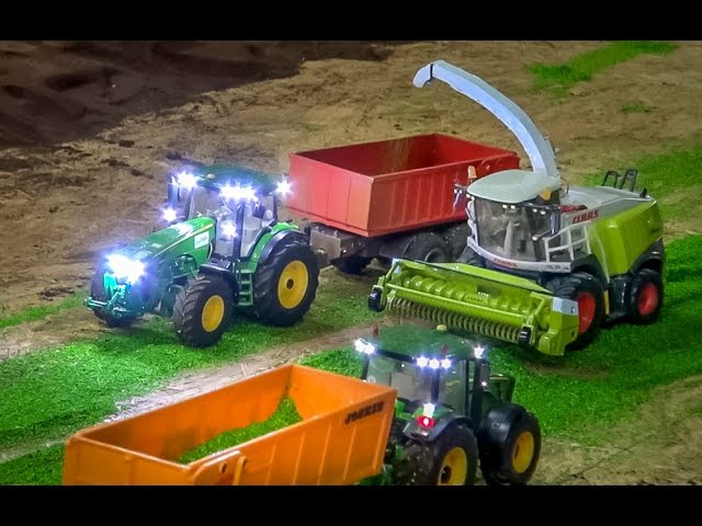 RC tractor action at Hof Mohr! Farming in 1:32 scale by Siku Control!