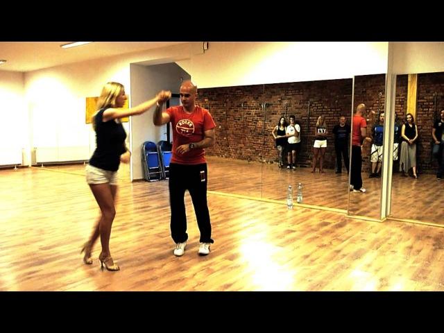 Setentas y Botellas Casino Cubano Figuras Danzantes salsa cubana figures
