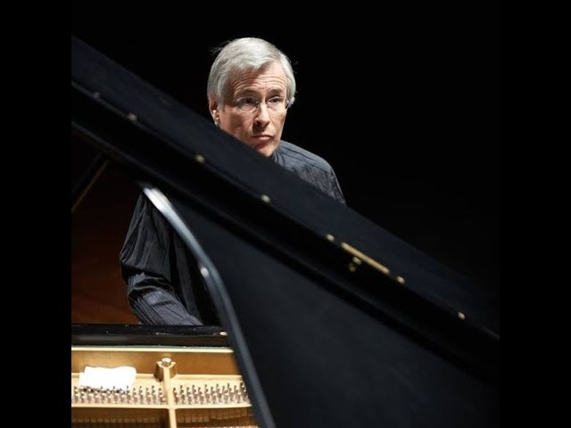 W A Mozart Piano Concerto No 23 Christian Zacharias Sinfónica de Galicia