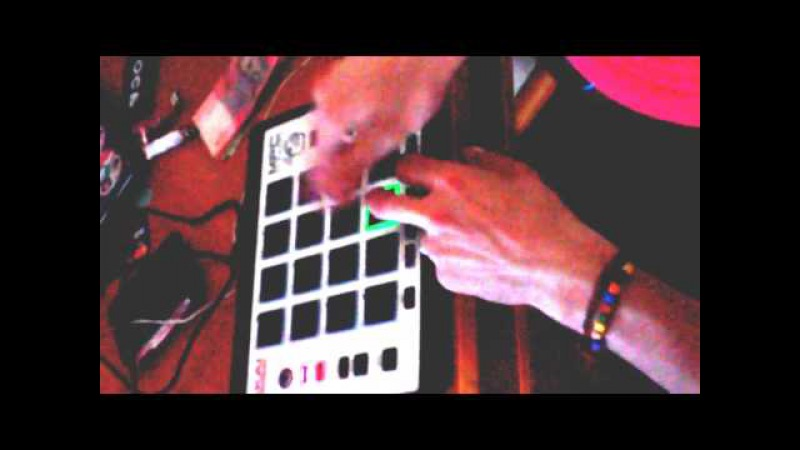 Akai MPC Element Live beatmaking by Animal PetSteP dubstep Zomboy - Airborne (MUST DIE Remix)
