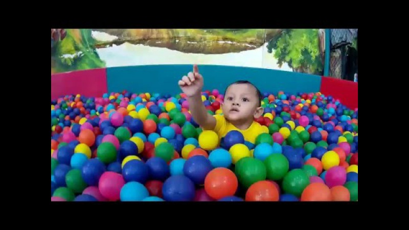 'The Bath Balls Show' play learn colours for kids Bermain dan Belajar Warna video untuk Anak Areth