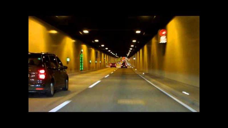 Fahrt durch den Elbtunnel Hamburg auf der A7 Richtung Norden