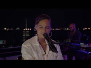Alicia Keys Empire State of Mind Part( Solo, boat trips on the New York) in 1080p HD