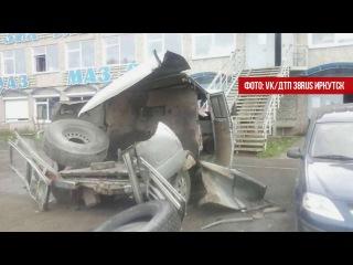У птицефабрики взорвавшееся колесо разворотило УАЗ.  Июль 2017.  Братск