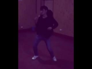 Четкий танец под Eroina