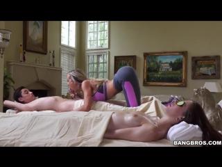 Инцест массаж от мамы закончился сексом, оттрахал маму, жестко выебал мать, минет, порно