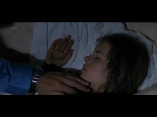 Отец лапает свою спящую голую дочку (инцест в кино, голая дочка спит, писька дочки)