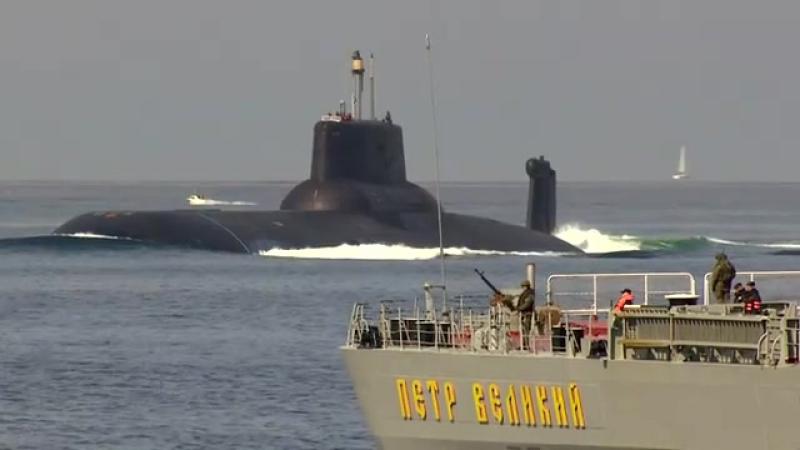 Se enorm russisk atomubåd sejle i dansk farvand TV 2