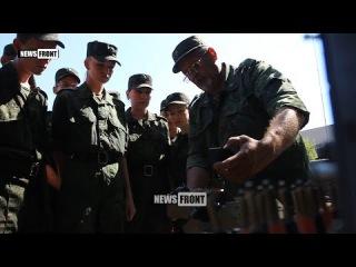 Военные ЛНР обучают студентов местных вузов работе со средствами связи Народно ...