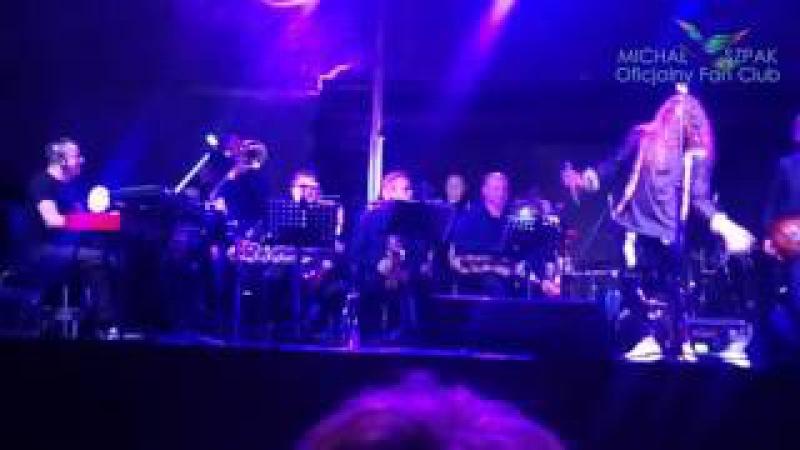 Michał Szpak i Orkiestra eM Band z Jaworzna Płonie Stodoła Wieliczka 3 07 2017