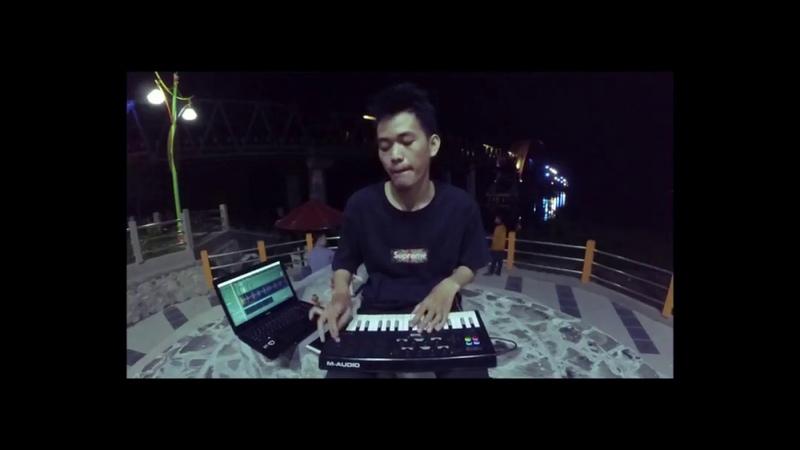 Luda on M Audio Axiom Air 32 Beatmaker Jalanan 1