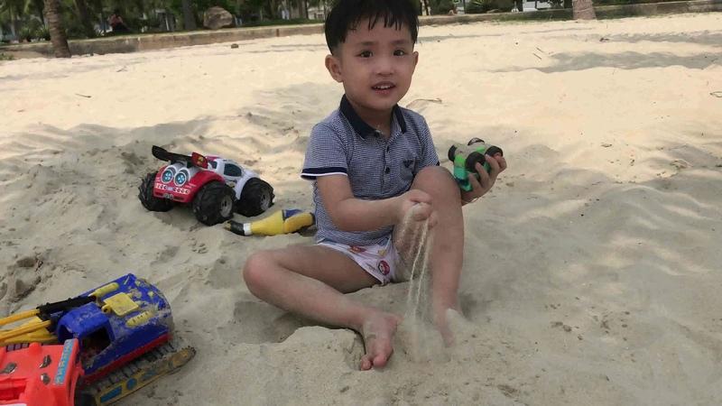 Buổi Sáng Ry Đi Tắm Biển-Morning Bathing Sea[Kidtv Studio] TamMao CreativeKidsToysReview TV