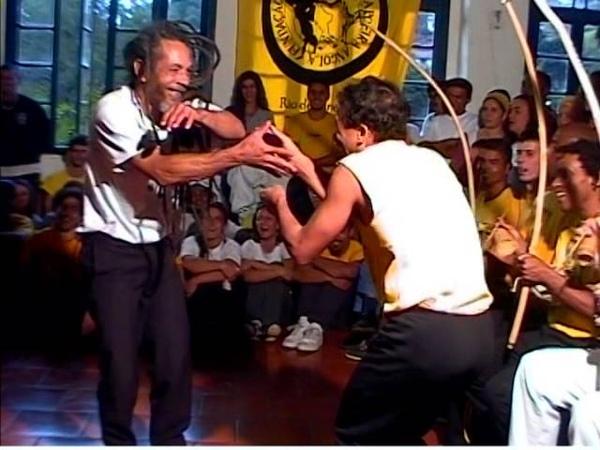 Mestre Neco Pelourinho So Angola e Mestre Rogerio Angola Dobrada