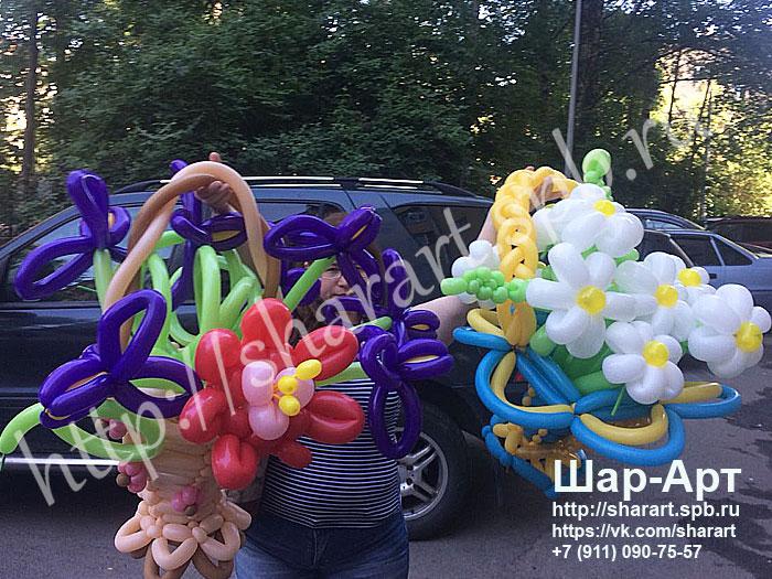 подарочная корзинка из шаров шдм с цветами