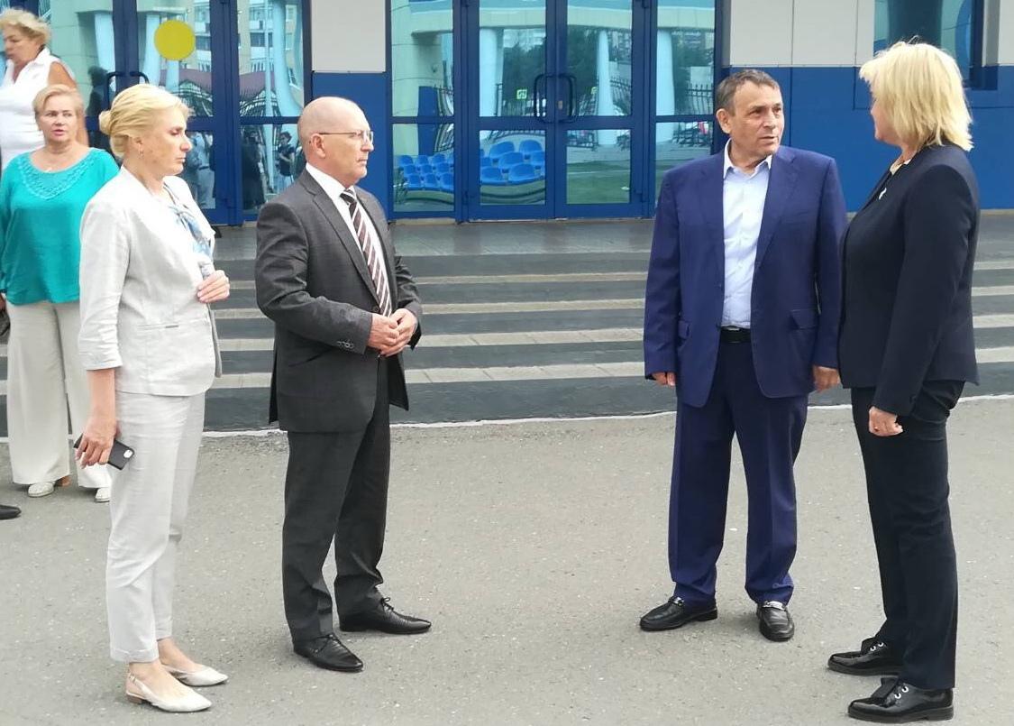 Федеральный чиновник инспектирует спортивные объекты Марий Эл