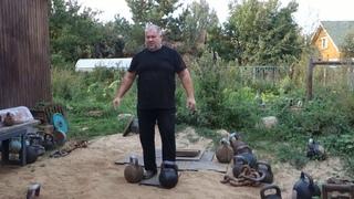 Вадим Ищейкин — парное жонглирование с гирями общим весом 110 кг (56 + 54 кг)