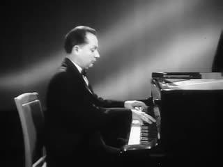 Victor Merzhanov plays Rachmaninoff Musical Moment no. 4