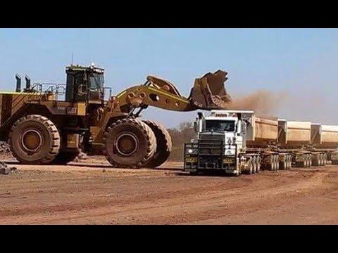 Trabajando con Maquinaria Pesada (Working with Heavy Machinery)