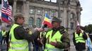 Rüdiger Hoffmann erklärt den Sinn der Demonstrationskultur in Deutschland